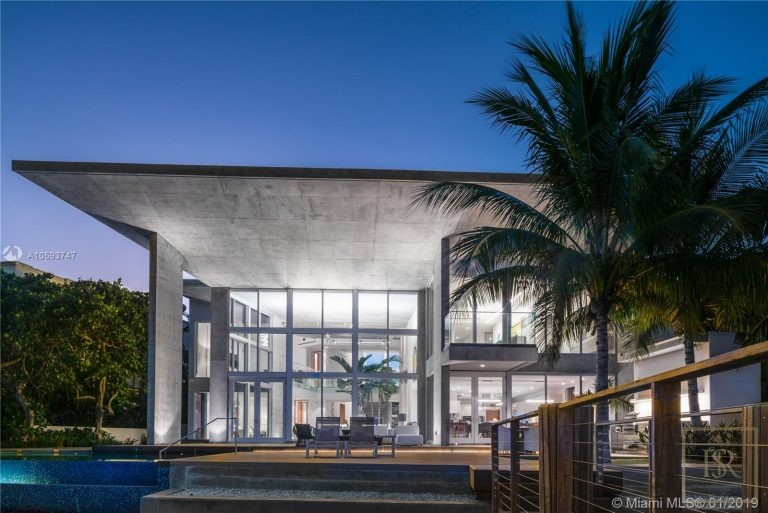 House 35 E Dilido Dr - Miami Beach, USA A10593747 for sale For Super Rich