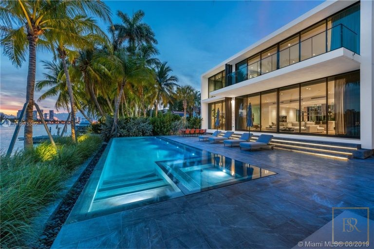 House, 38 S Hibiscus Dr, Miami Beach
