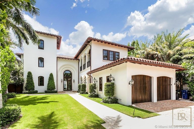 House 27 E Dilido Dr - Miami Beach, USA Used for sale For Super Rich