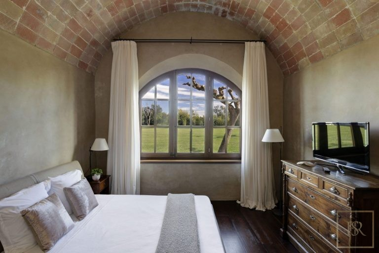Mas Mateu 16 BR - For VIP's, Royalty & Celebrities  value rental For Super Rich