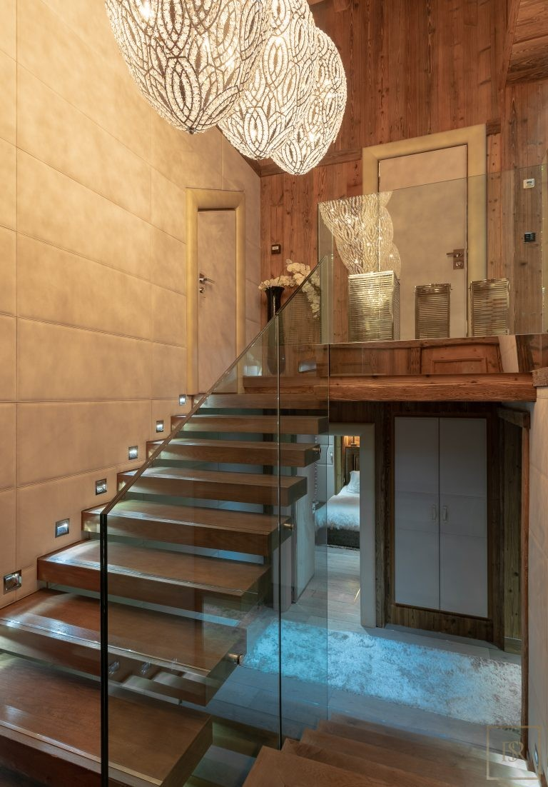 Chalet Courchevel 1850 with Swimming Pool price rental For Super Rich