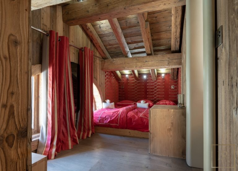 Chalet Courchevel 1850 with Swimming Pool luxury rental For Super Rich