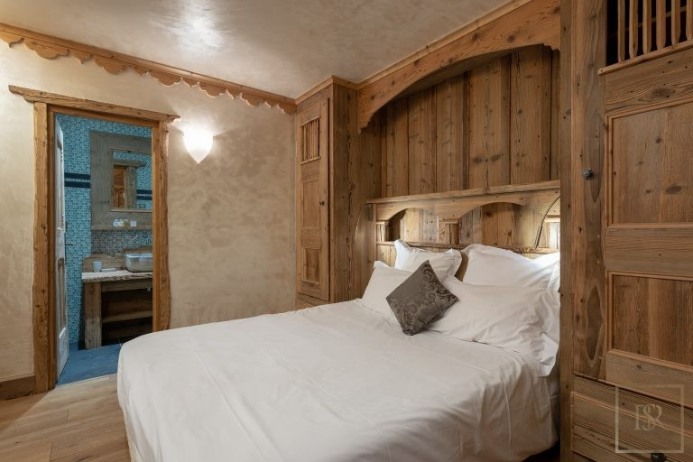 Chalet Courchevel 1850 with Swimming Pool ultra luxury rental For Super Rich