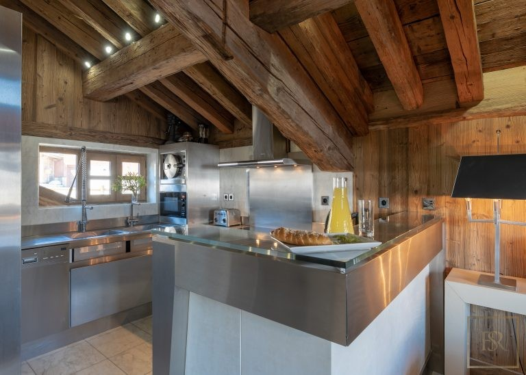 Chalet Courchevel 1850 with Swimming Pool prix rental For Super Rich