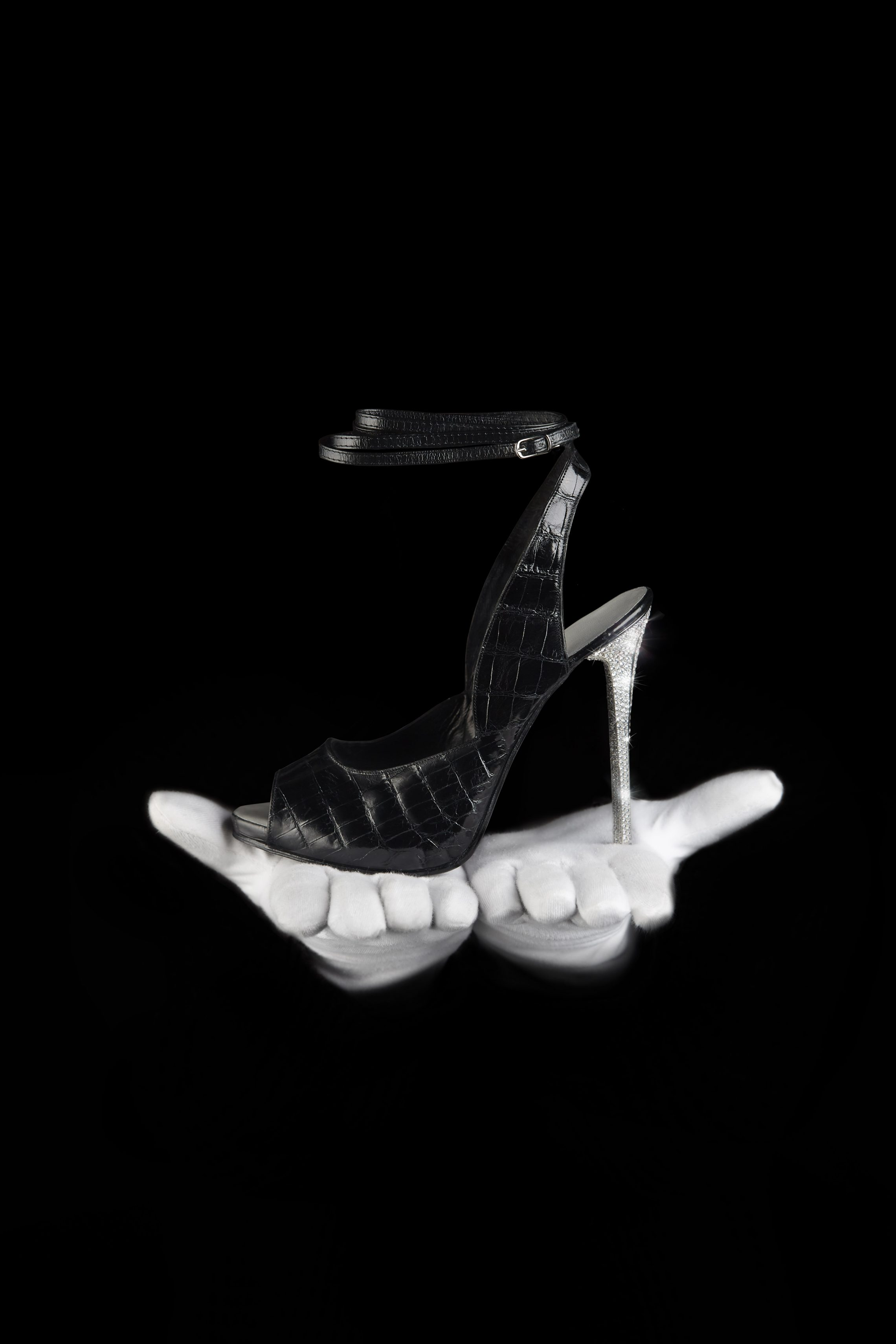 High Heels 18K Gold with 1000 Diamonds 110K - Anahée for sale For Super Rich