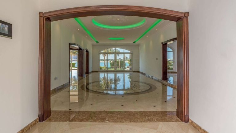 Villa Exclusive - Palm Jumeirah, Dubai, UAE Classified ads for sale For Super Rich