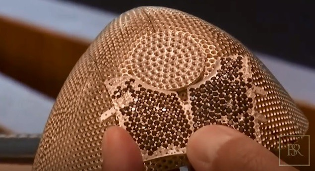 World's Most Expensive COVID Face MASK 18K Gold with 3608 Diamonds for sale For Super Rich
