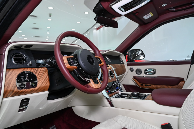 2020 Rolls-Royce CULLINAN Automatic for sale For Super Rich