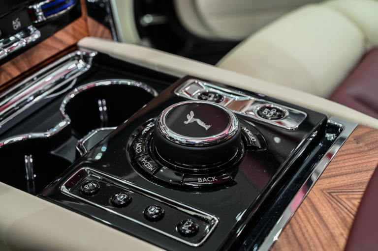 2020 Rolls-Royce CULLINAN buyers for sale For Super Rich