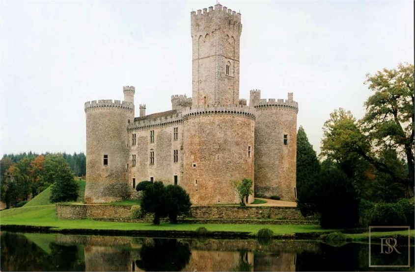 French Castle XII Century - Limoges, Area Limousin for sale For Super Rich