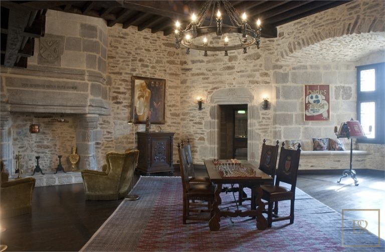 French Castle XII Century - Limoges, Area Limousin luxury for sale For Super Rich