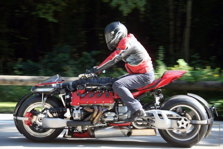 Limited Edition 1 OF 10 Motorcycle LM 847 - LAZARETH France for sale For Super Rich