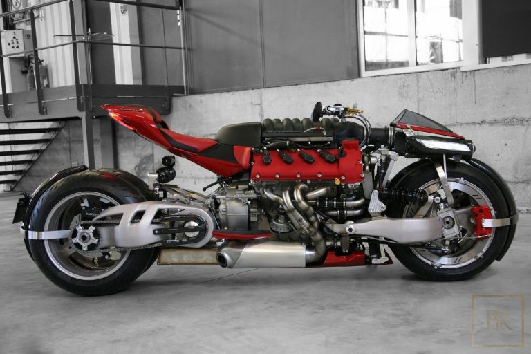 Limited Edition 1 OF 10 Motorcycle LM 847 - LAZARETH Luxury for sale For Super Rich