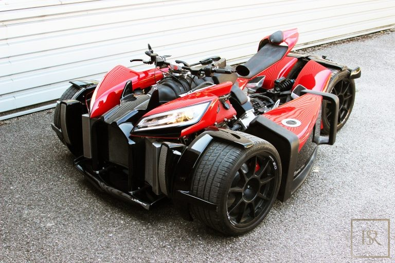 Limited Edition 1 OF 10 Motorcycle WAZUMA V8M - LAZARETH Unique for sale For Super Rich