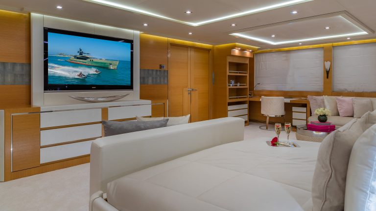 PALMER JOHNSON DB9 52 Meters luxury charter rental For Super Rich