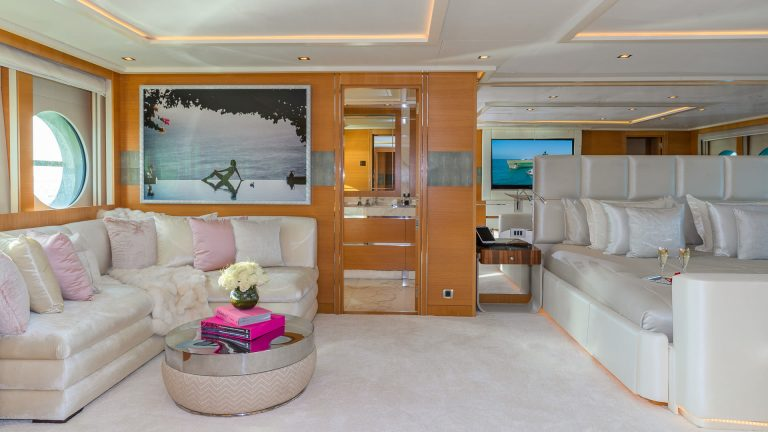PALMER JOHNSON DB9 52 Meters prix charter rental For Super Rich